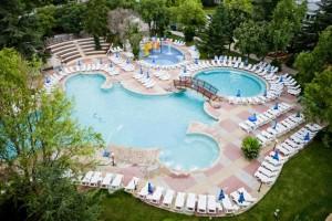 laguna garden pool