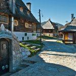 БОСНА И ХЕРЦЕГОВИНА- СЪРБИЯ– Дървен и Каменград- приказката, сътворена от Костурица!🚌